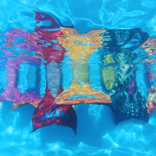 iatde-wp-im-home-mermaid-swimming-A